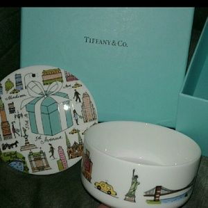 Tiffany and CO. 5TH Avenue box
